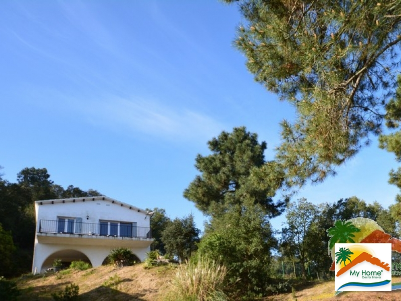 HOUSE WITH TERRACE IN LLORET BLAU