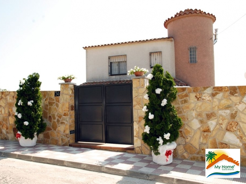 HOUSE & PLOT IN LLORET RESIDENCIAL