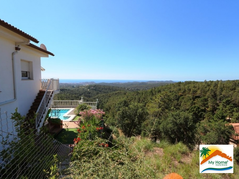 HOUSE WITH POOL IN LLORET BLAU