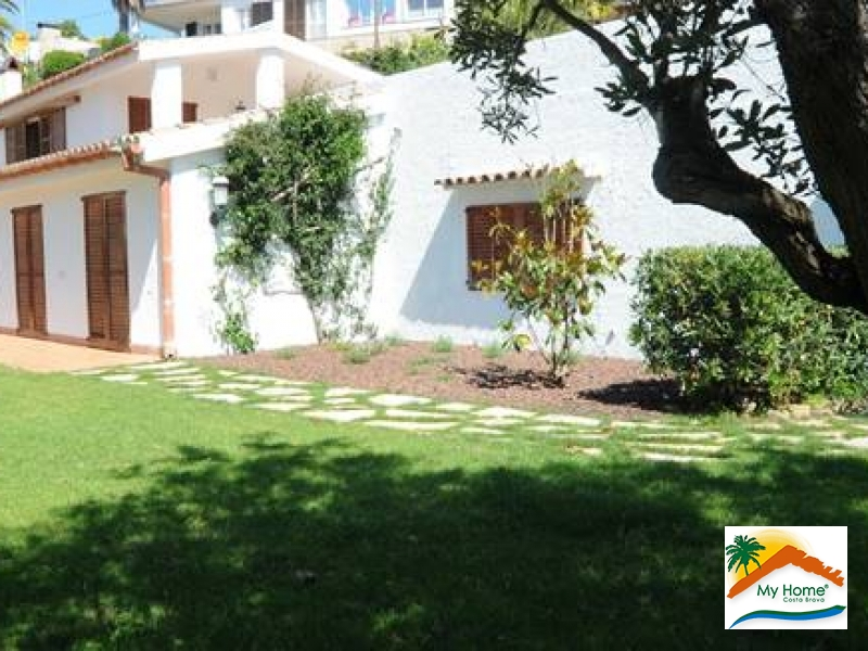 HOUSE AT 700 METERS FROM THE SEA IN STA. Mª DEL LLORELL