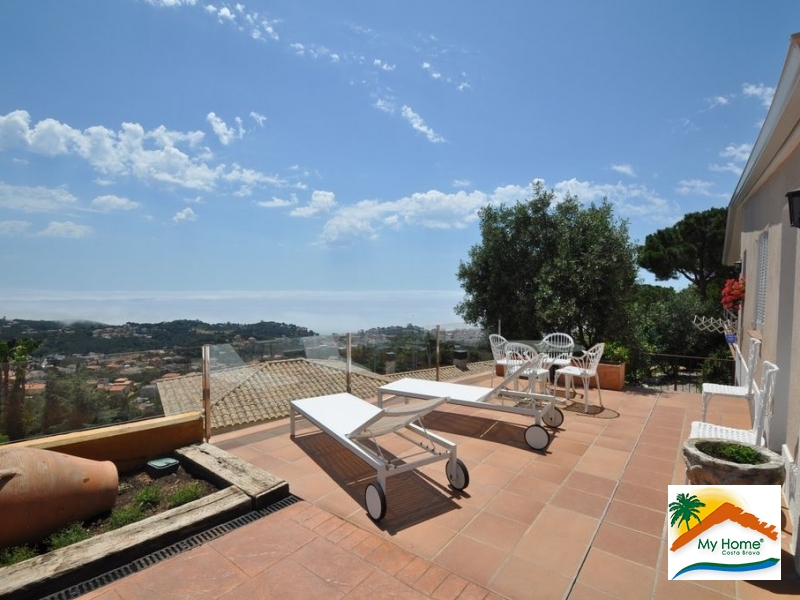 VILLA WITH POOL AND PANORAMIC SEA VIEW AT ROCA GROSSA