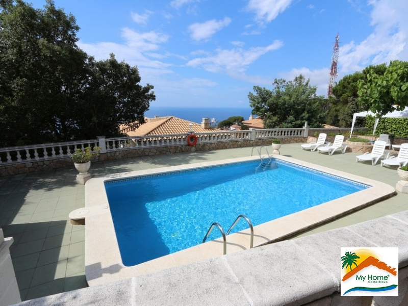 BEAUTIFUL HOUSE WITH SWIMMING POOL WITH SEA AND MONTAIN VIEW IN ROCA GROSSA