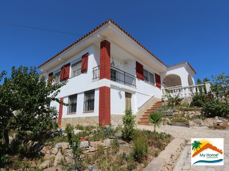 HOUSE WITH SEA VIEW IN ELS PINARS