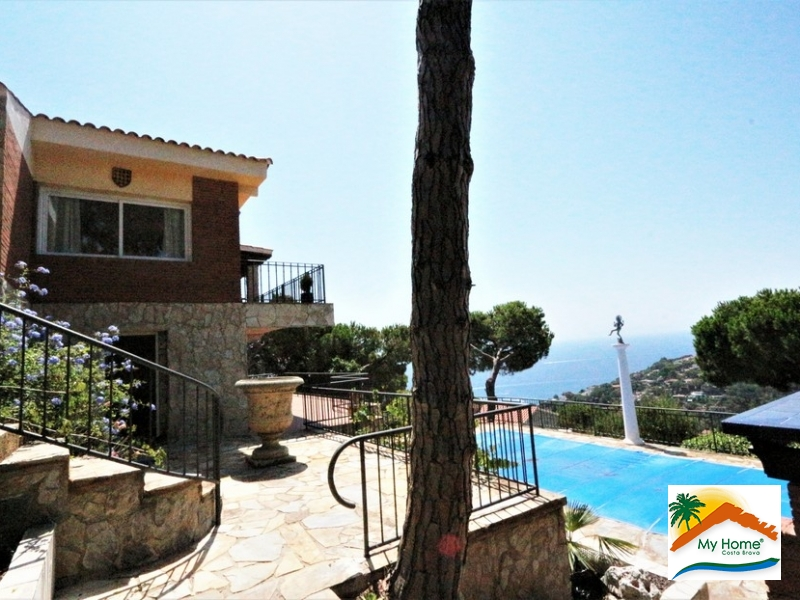 HOUSE WITH SWIMMING POOL AND SEA VIEW IN FONT DE SANT LLORENÇ