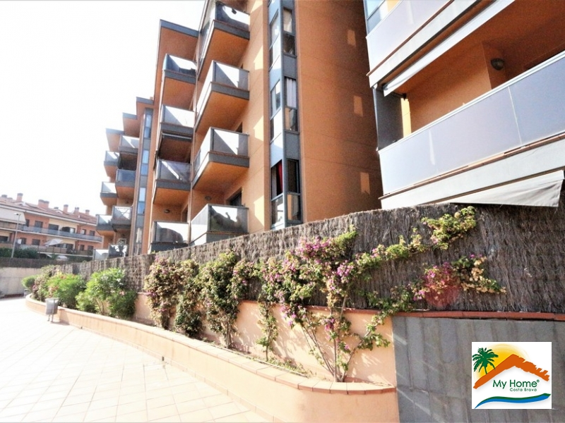 BEAUTIFUL DUPLEX PENTHOUSE WITH SWIMMING POOL AND PARKING