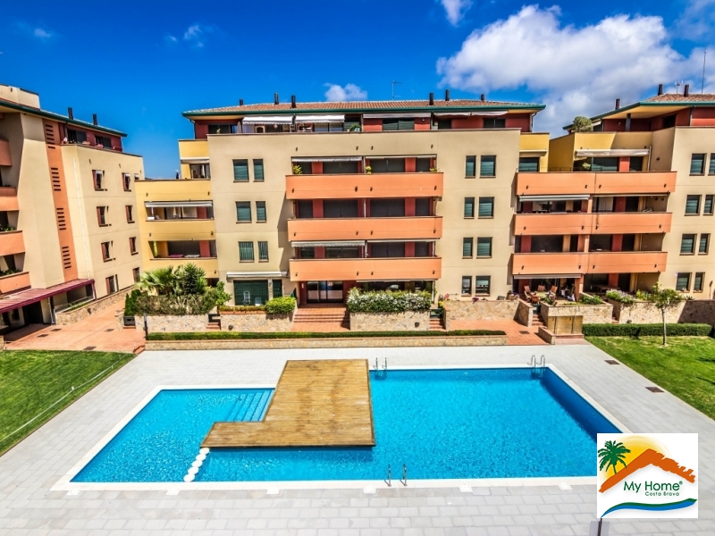APARTMENT WITH POOL AND GARAGE IN FENALS