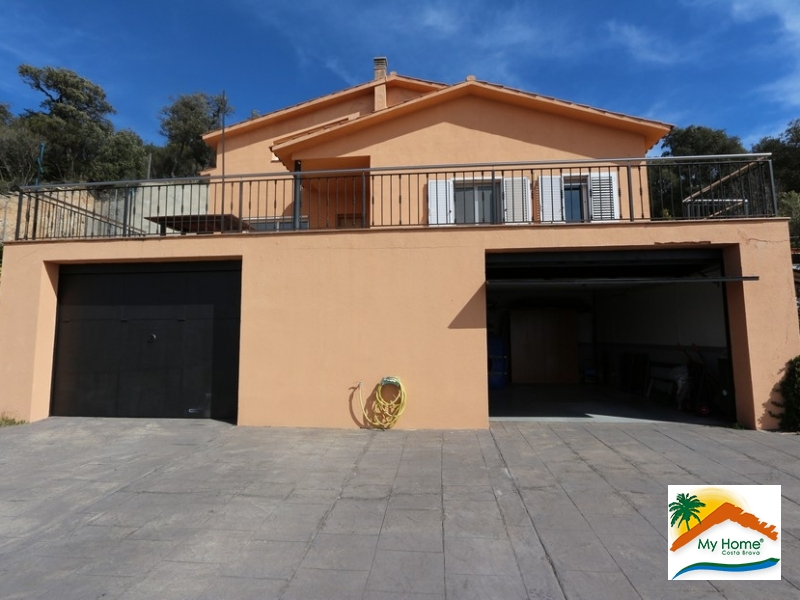 HOUSE WITH SEA VIEW, POOL AND GARAGE IN AIGUAVIVA PARC