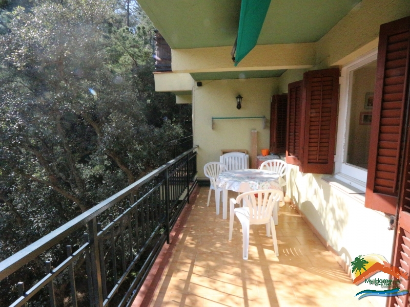 APARTMENT WITH PARKING NEAR THE BEACH OF CALA CANYELLES