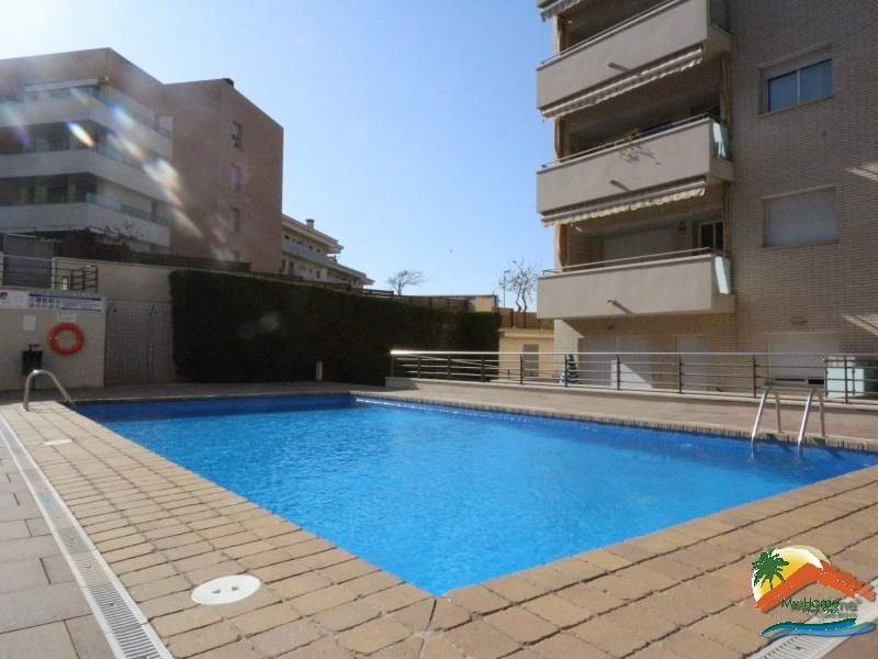 APARTMENT WITH POOL IN FENALS