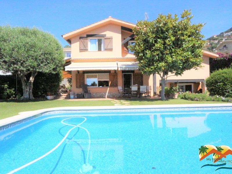 NICE HOUSE WITH SWIMMING POOL AND SEA VIEWS IN LLORET DE DALT