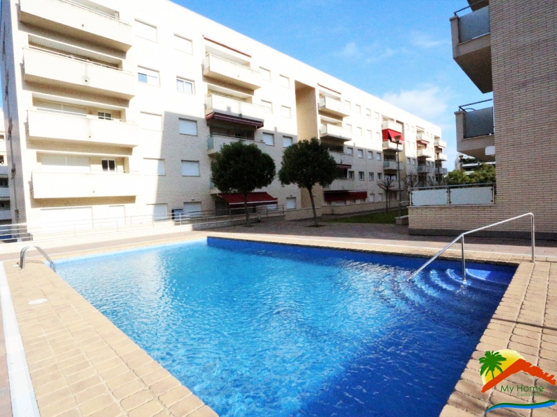 APARTMENT WITH POOL AND PARKING IN FENALS