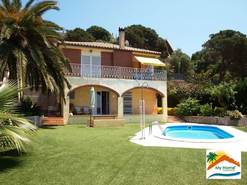 Buy cheap house with pool in Orvieto