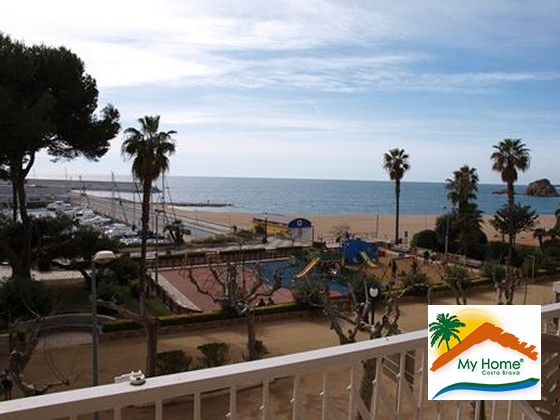 APARTMENT IN  1st. LINE OF SEA - BLANES