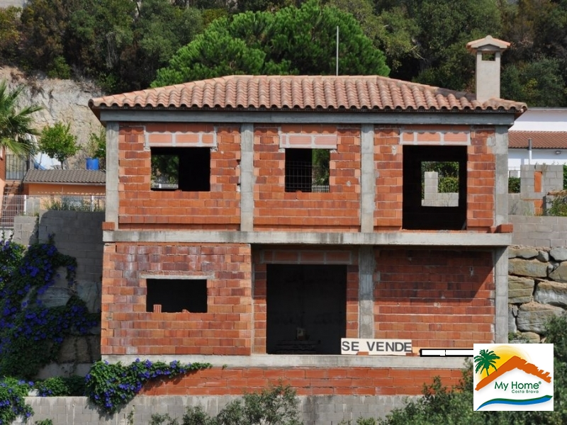 HOUSE UNDER CONSTRUCTION IN LLORET RESIDENCIAL